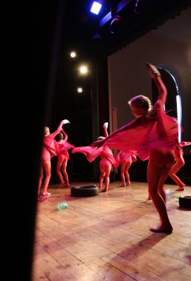 Tanečníci ze ZUŠ mistry Moravy