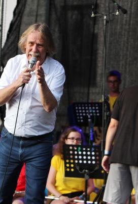 Koncert žáků s Jaromírem Nohavicou