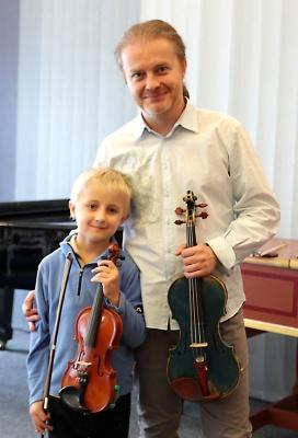 Malí houslisté nadšení z kurzů s PAVLEM ŠPORCLEM